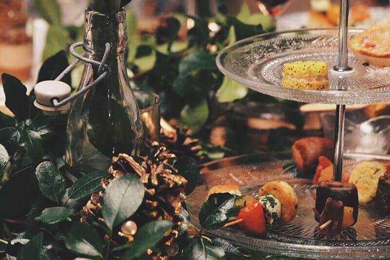 cómo organizar la cena y comida navideña de tu empresa