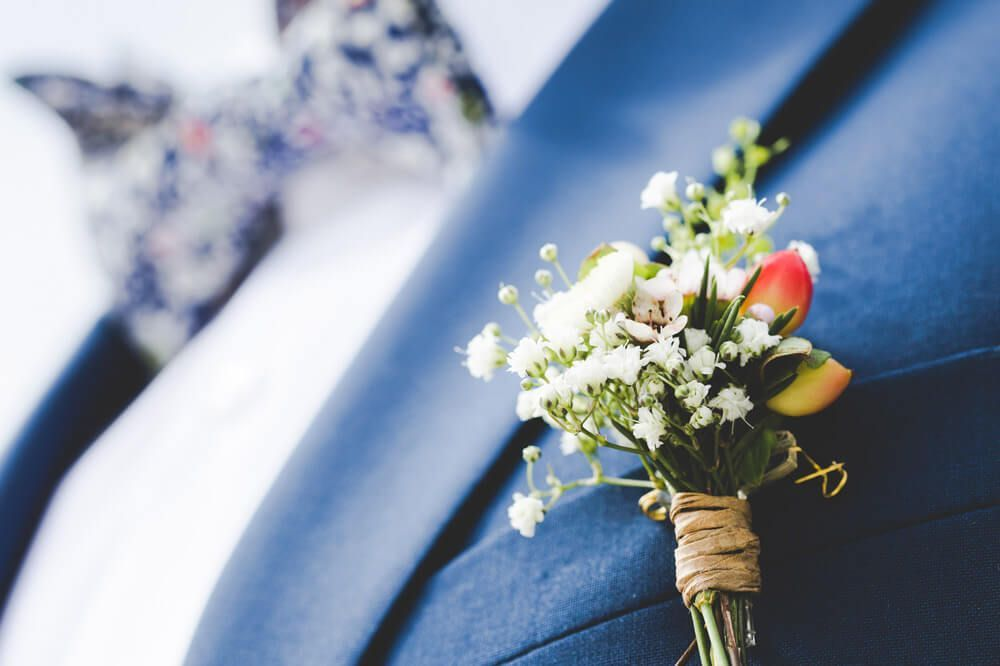 flores-novio-boda