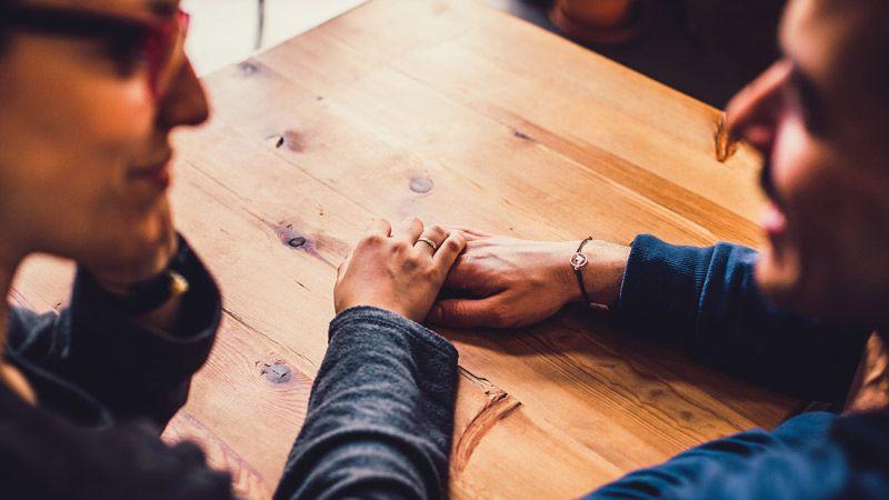 pareja-discutir-boda